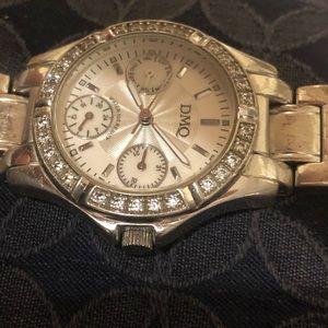 Dmq watch silver
